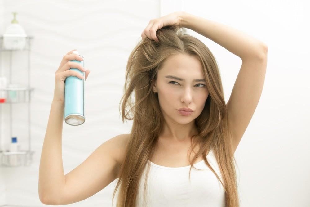 Как использовать сухой шампунь: ответы на 6 самых популярных вопросов