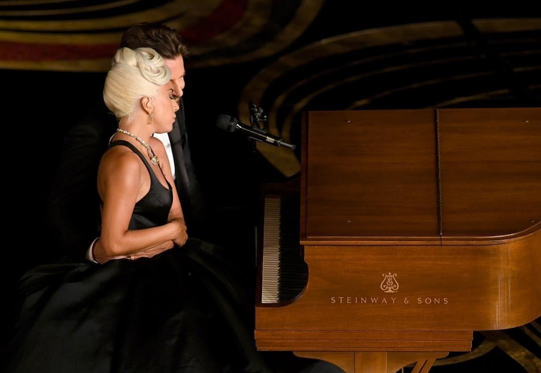 Леди Гага опровергла слухи о романе с Брэдли Купером