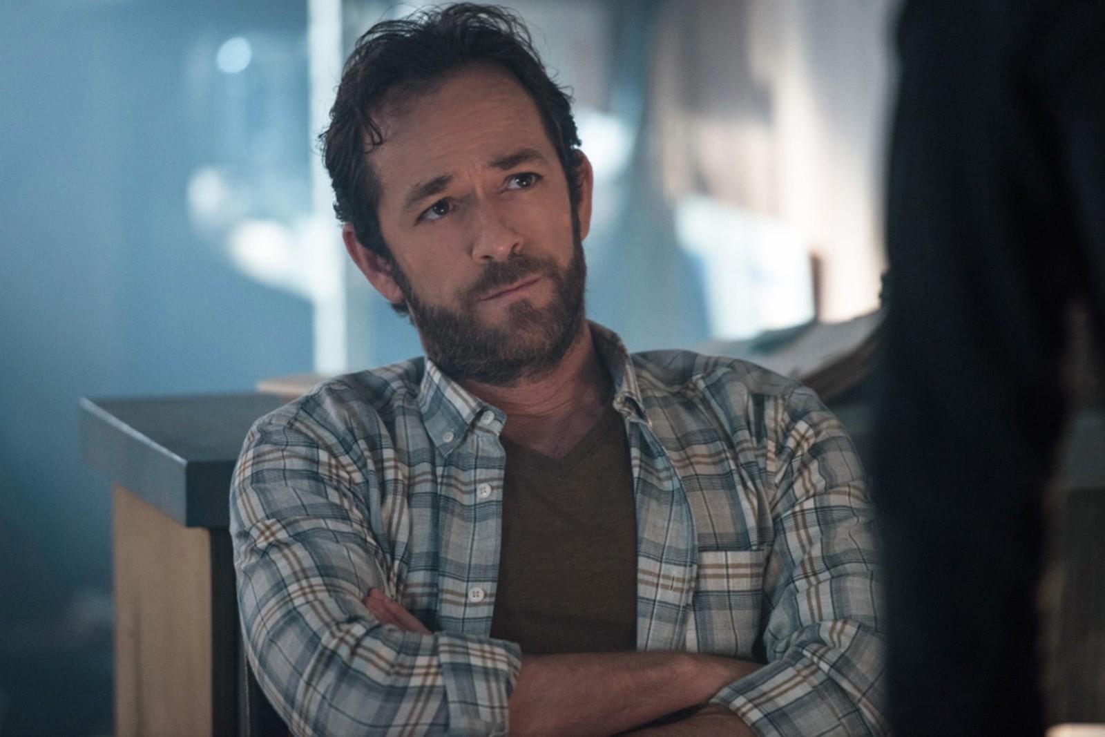 Звезда «Беверли-Хиллз, 90210» Люк Перри госпитализирован после инсульта