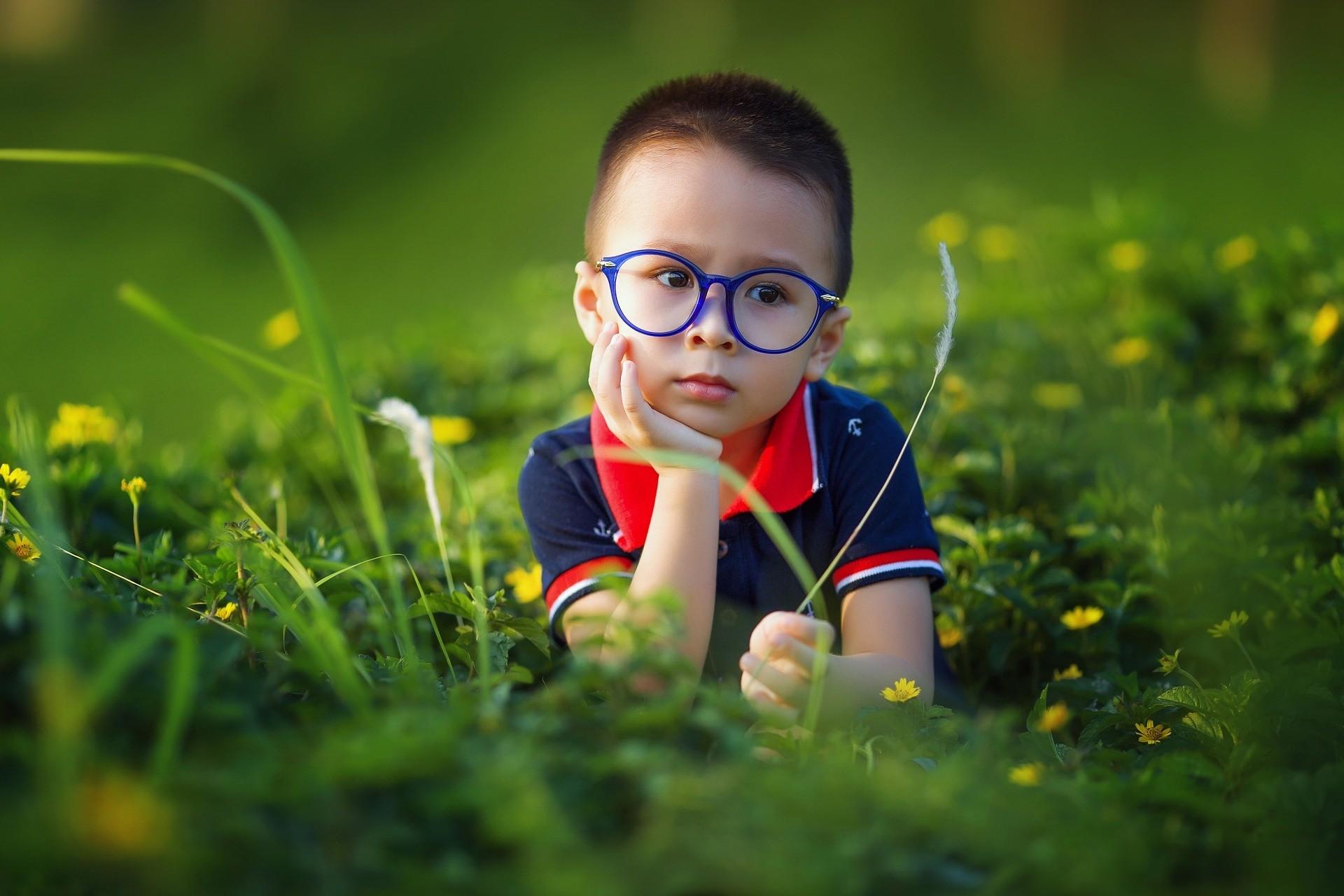 Лучше бы молчал: 5 уморительных историй, как дети впервые заговорили