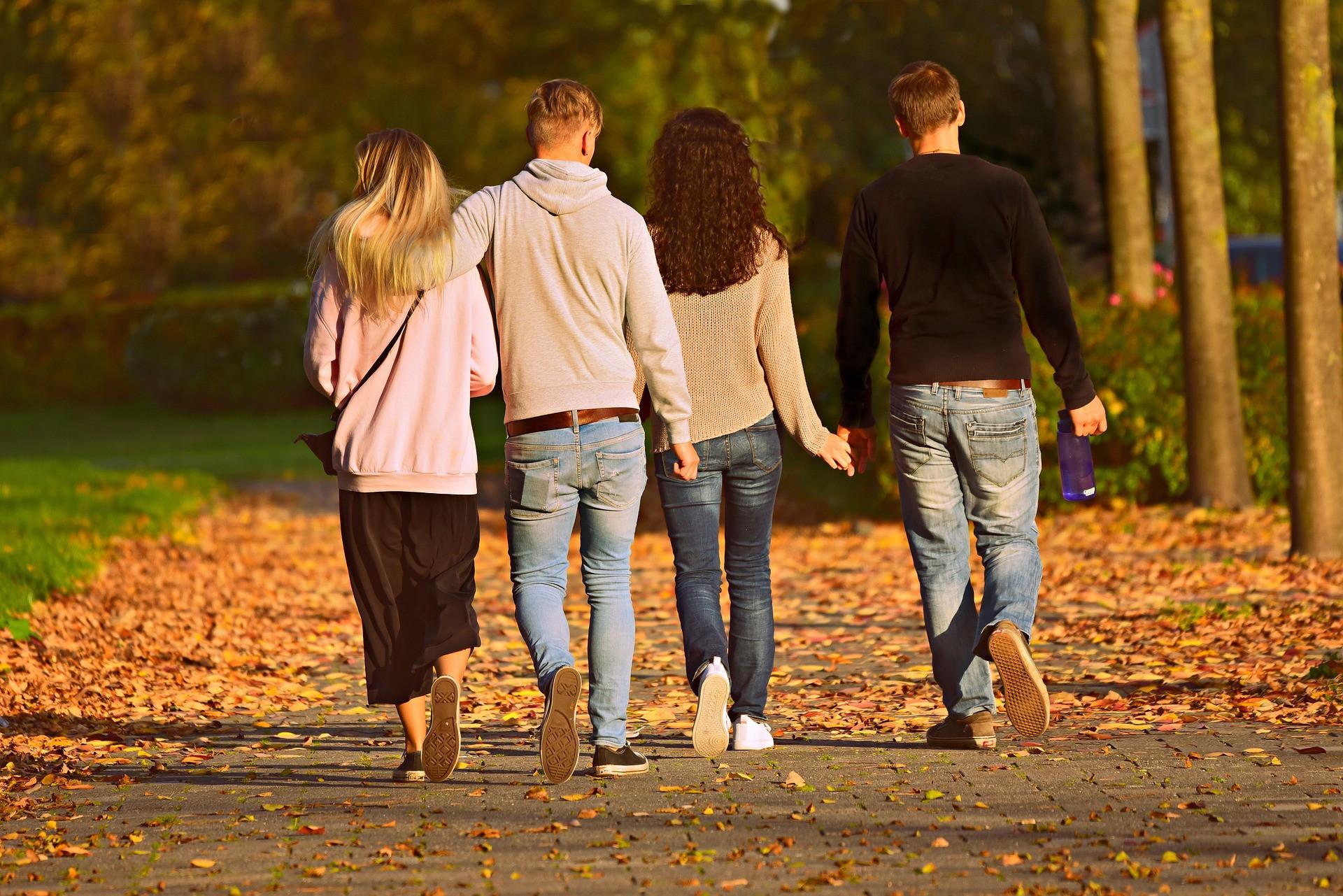 Любит — не любит: 5 признаков мужского интереса