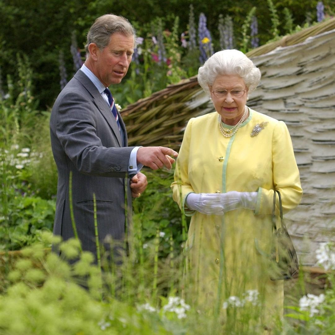 Елизавета II намерена сделать принца Чарльза регентом