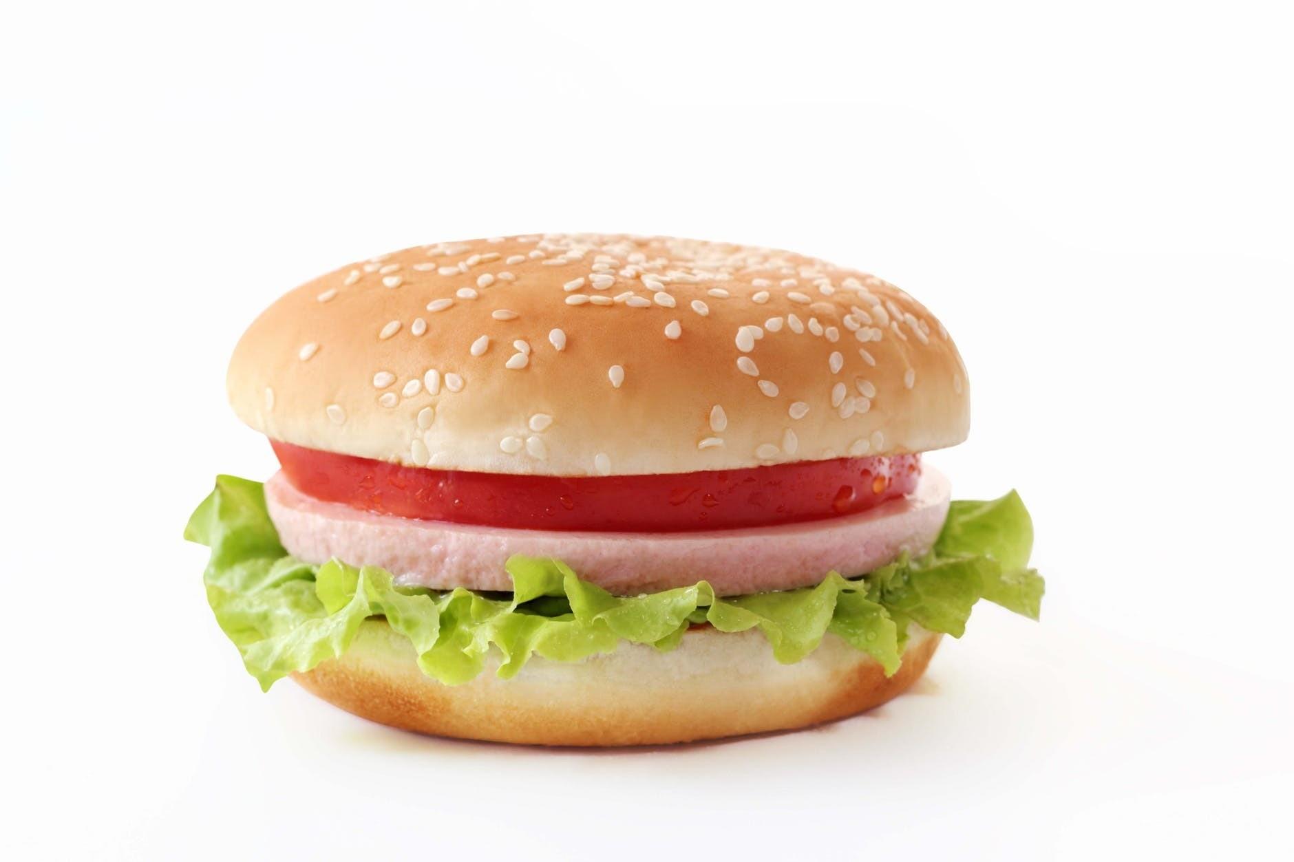 Почему нельзя есть бутерброды на завтрак? Объясняет диетолог