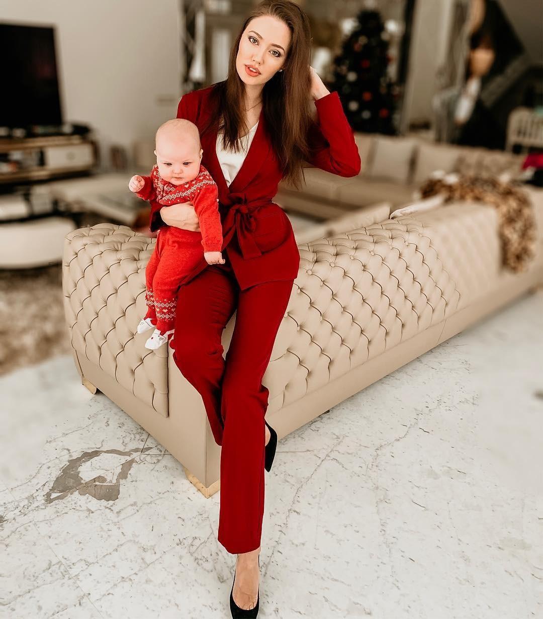 Анастасия Костенко с дочкой Ми&...