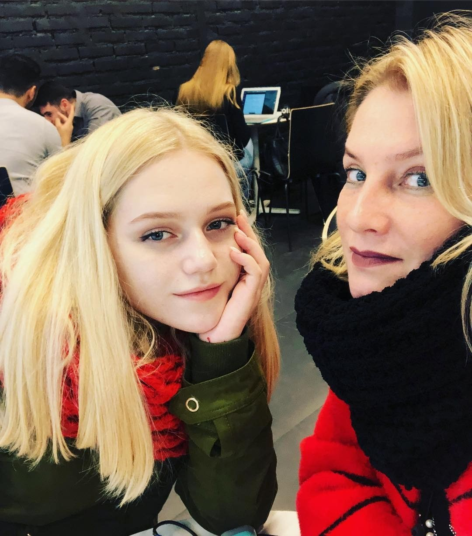 Галина Данилова сдочкой Ульяной.