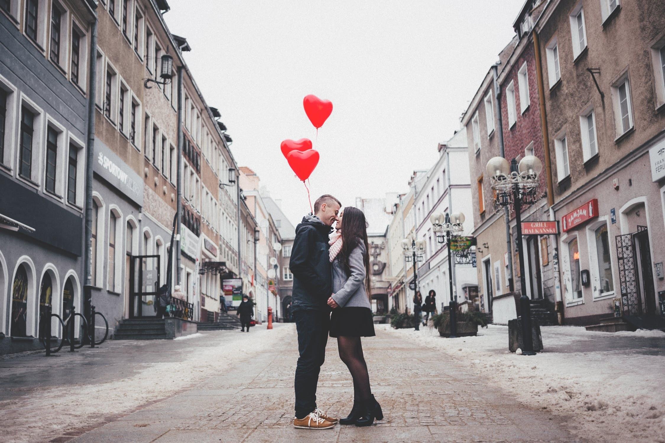 Не наш праздник: что мужчины думают о Дне святого Валентина?