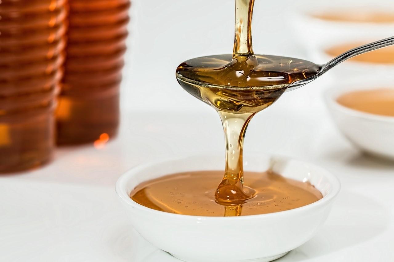 Мед полезнее сахара — правда или миф?