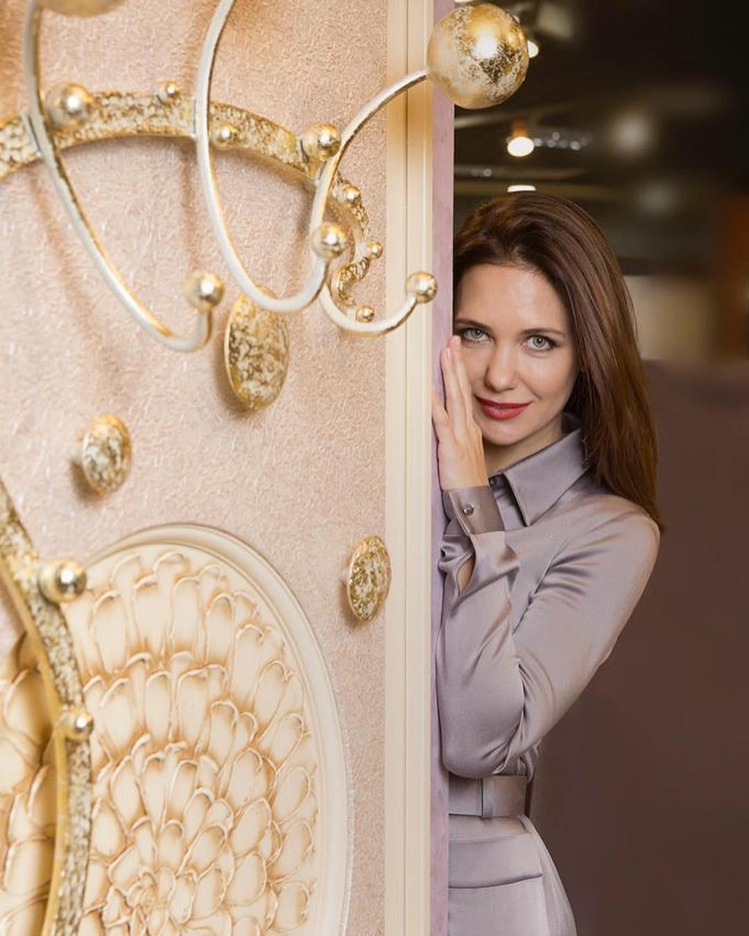 Екатерина Климова выложила фото в душе с банным полотенцем на голове