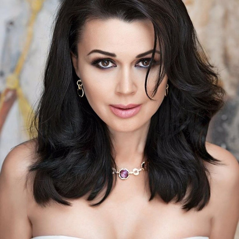 47-летняя Анастасия Заворотнюк родила дочь