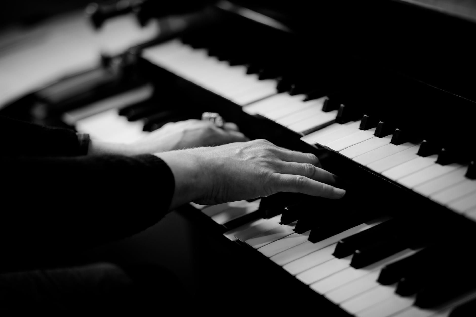 Надо слышать: 5 самых необычных музыкальных событий марта