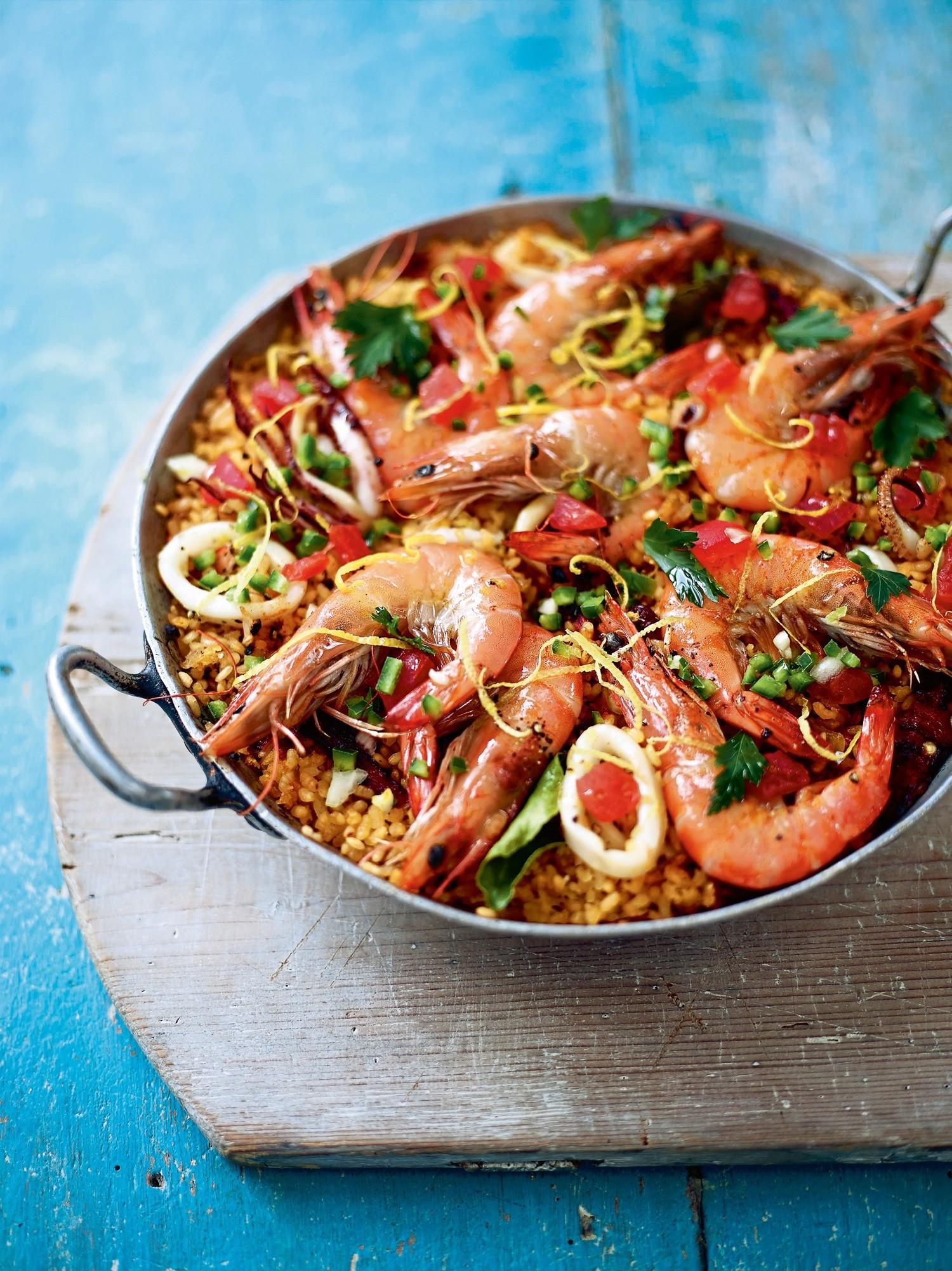 Испанский ужин: рецепт паэльи с морепродуктами