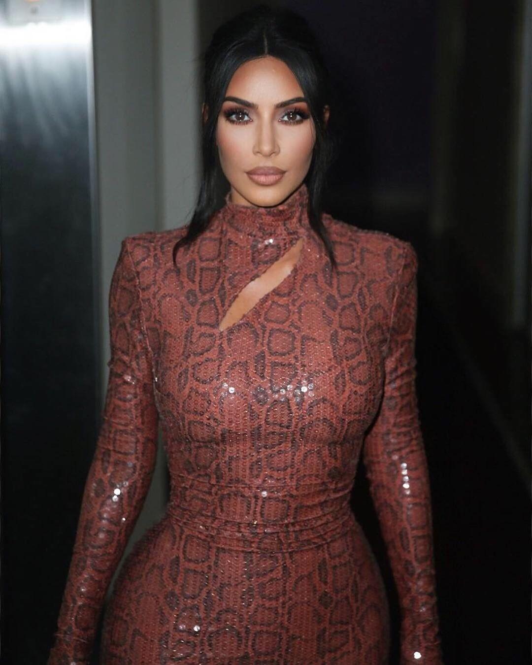 Ким Кардашьян шокировала поклонников размером своего гардероба
