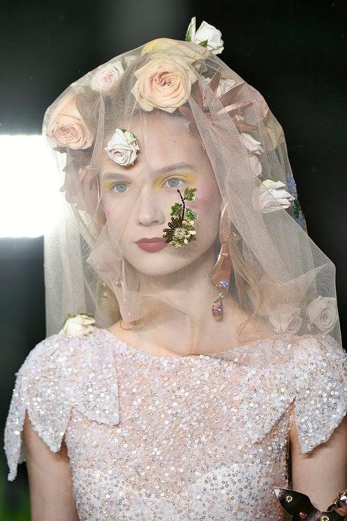 Свадебные тренды: 7 аксессуаров, которые нужны невесте в этом году