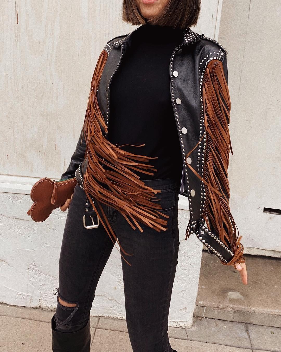 Игра на контрастах стилей в одежде все больше набирает свою популярность. Известный модный блогер Эми Сонг как раз выбрала для себя такую неоднозначную модель черной «косухи».  На одной ч...