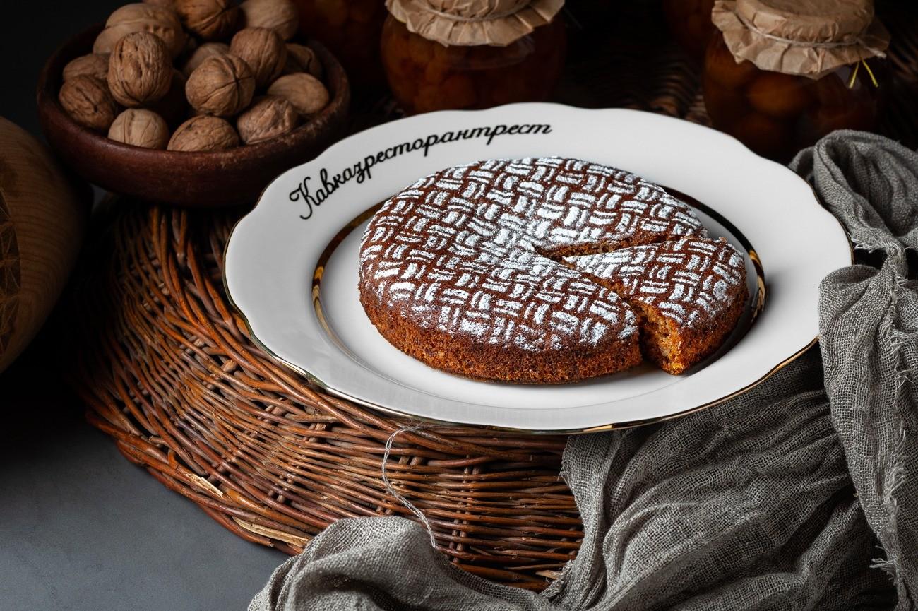 Рецепт от шефа: постный пирог с медом и грецким орехом