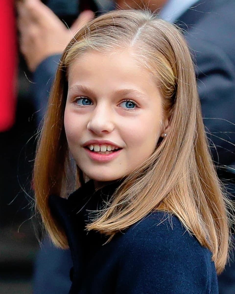 Леонор — самая юная в нашем списке. Ей всего 13 лет, но уже сейчас можно сказать, что вырастет она настоящей красавицей, впрочем, как и ее младшая сестра София. Обе высокие блондинки, с п...