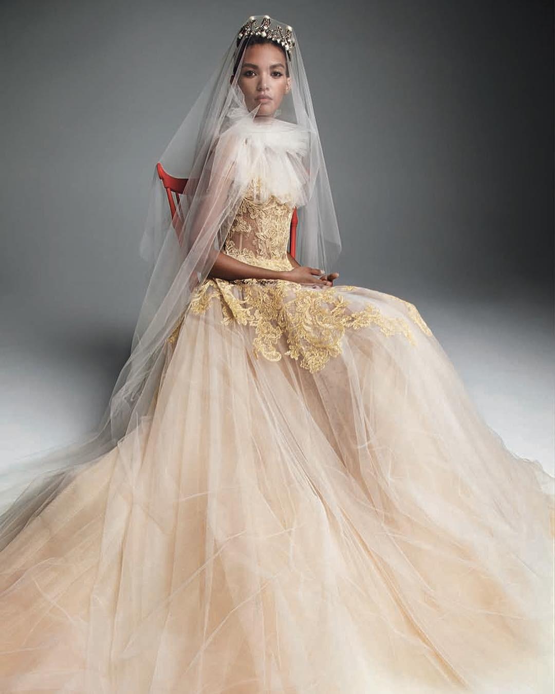 Например, в свадебной моде фату...