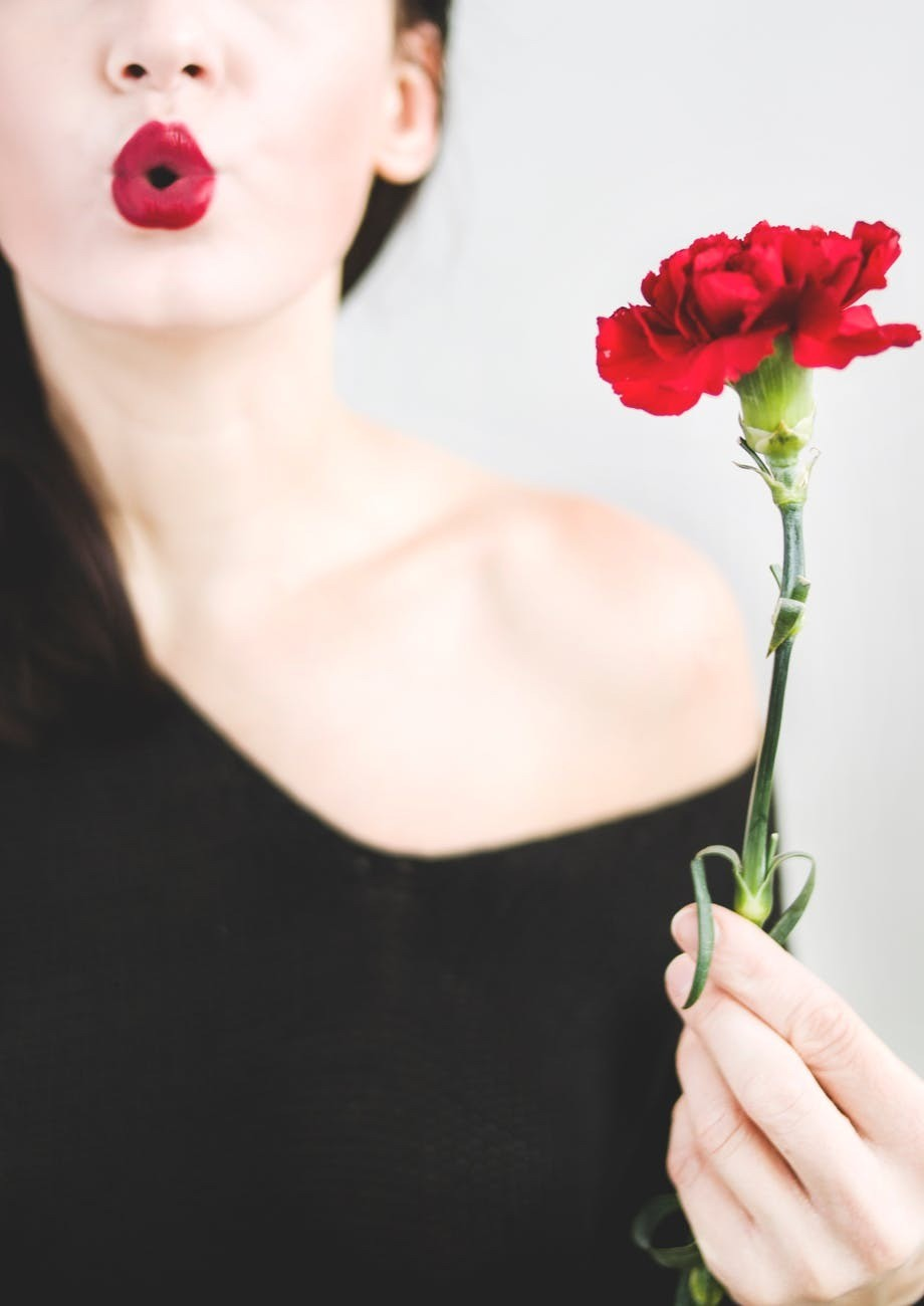 Можно и без уколов: как накрасить губы, чтобы они казались пухлыми