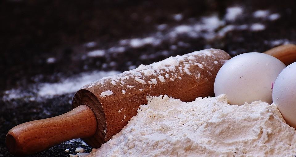 Рецепта пышного бисквита на кефире (твой торт будет самым вкусным)
