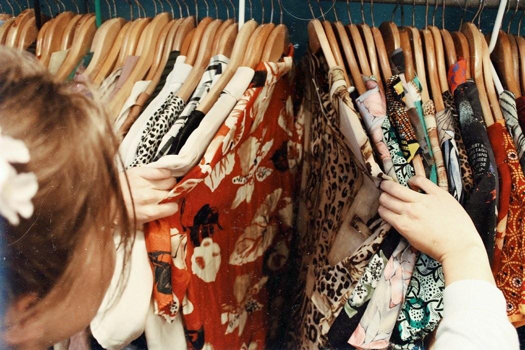 Надень это немедленно: одежда, которая позволит скрыть широкие бедра