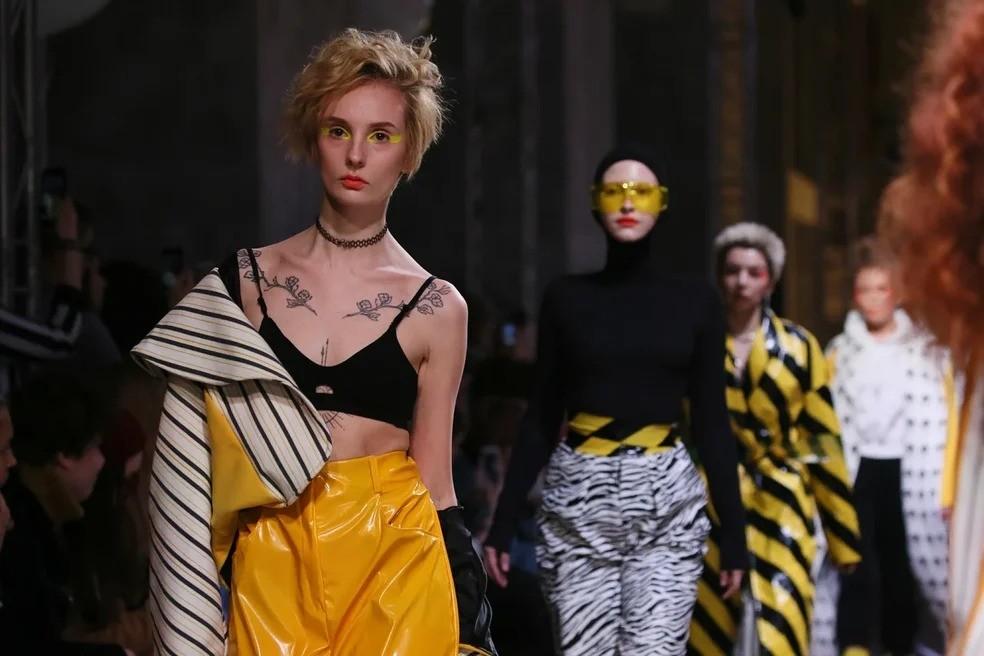 Вчера стартовал новый сезон Mercedes-Benz Fashion Week Russia, но перед этим 29 марта в рамках мероприятия также прошла выставка-презентация молодых дизайнеров и художников FUTURUM MOSCOW...