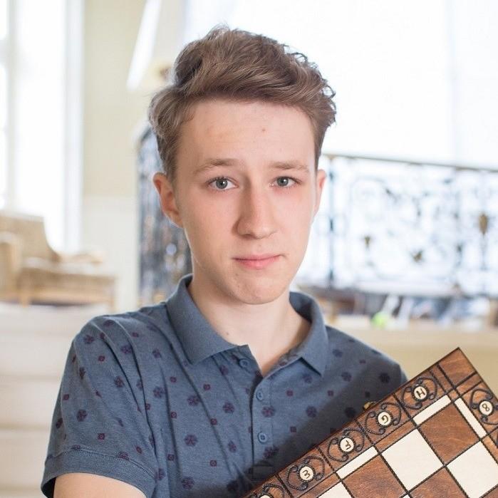 Юный Семен Трескунов (19) закончил школу только два года назад. Кинокритики сравнивают молодого человека сЮрием Никулиным ипрочат ему большое будущее. Действительно, мало укакого подро...