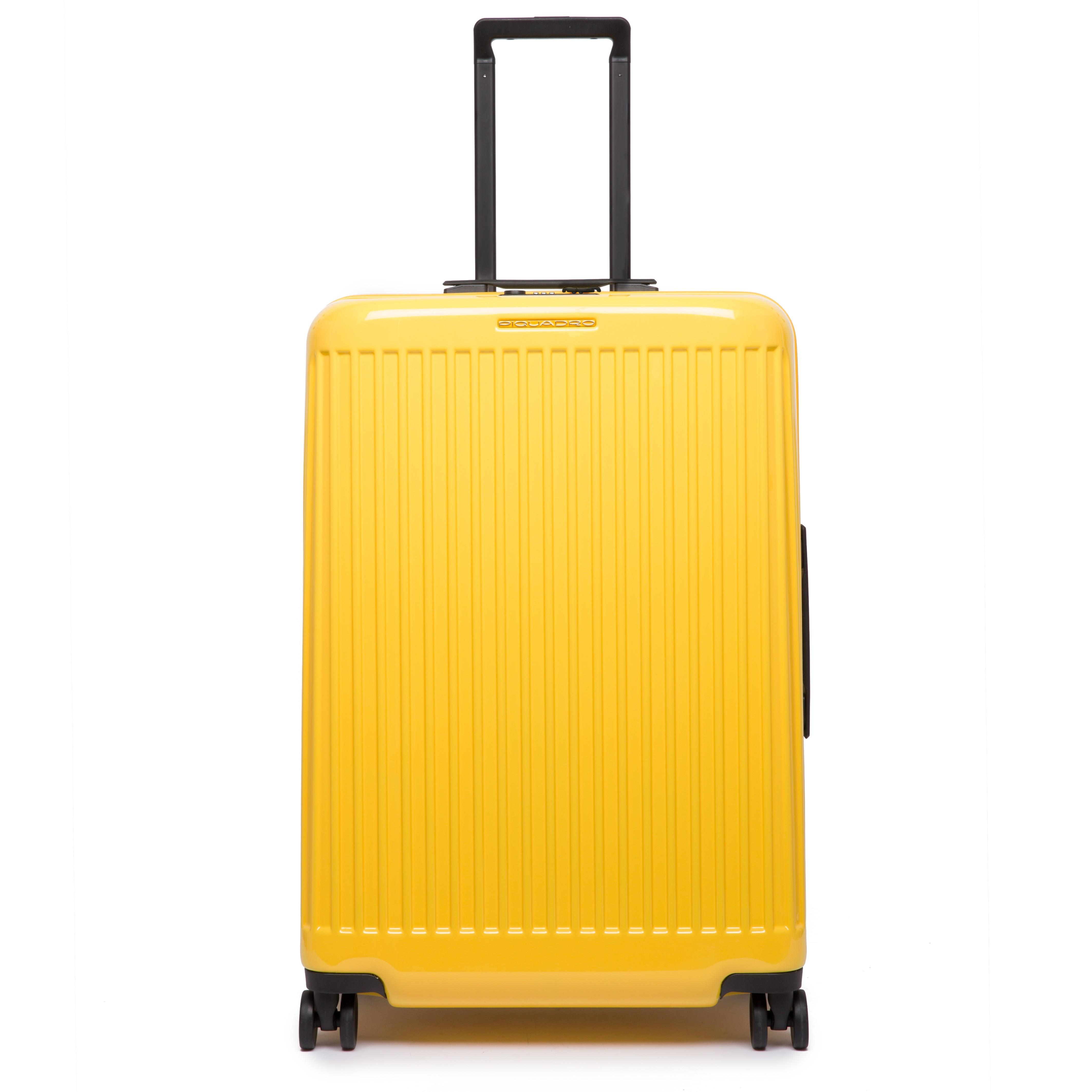 Новая коллекция багажа позволит тебесовершить путешествие не только в пространстве, но и во времени. Чемоданы, выполненные из глянцевого поликарбоната в поп-цветах — это дань уважения ит...