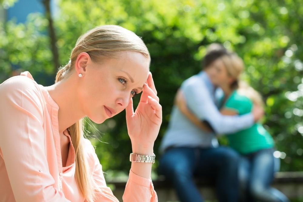 Ты влюбилась в мужчину подруги. 6 причин, почему нельзя с ним связываться