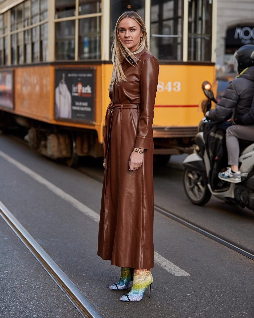 Такое платье из коричневой кож&...