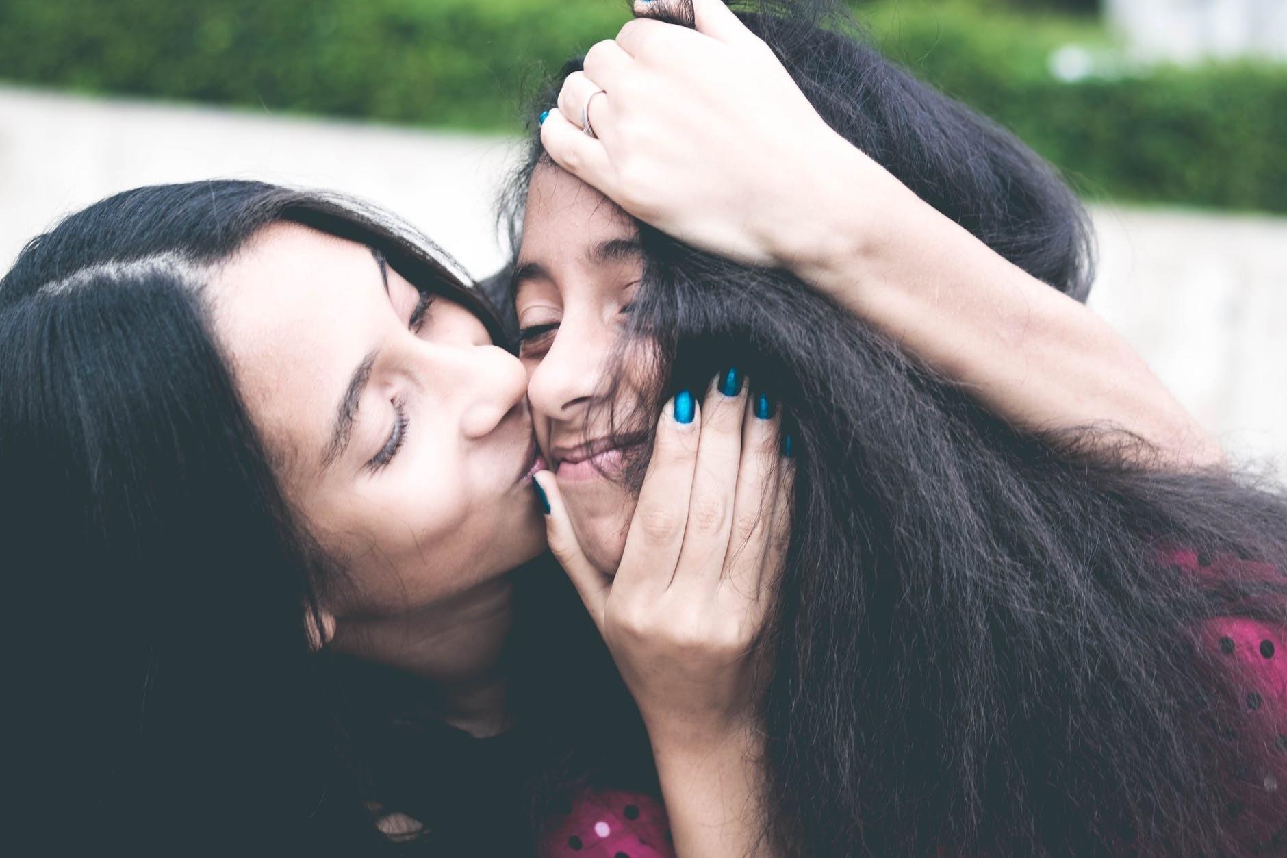 Особенности воспитания девочек: что тебе нужно знать (рассказывает психолог)