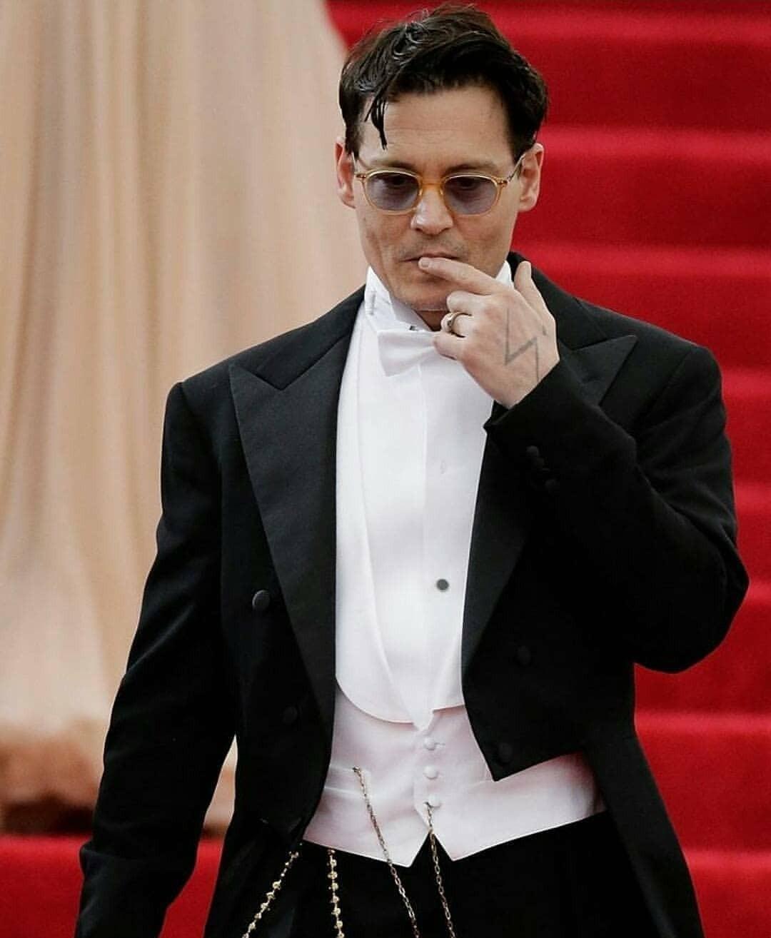 Джонни Депп может остаться без ролей из-за нового иска Эмбер Херт