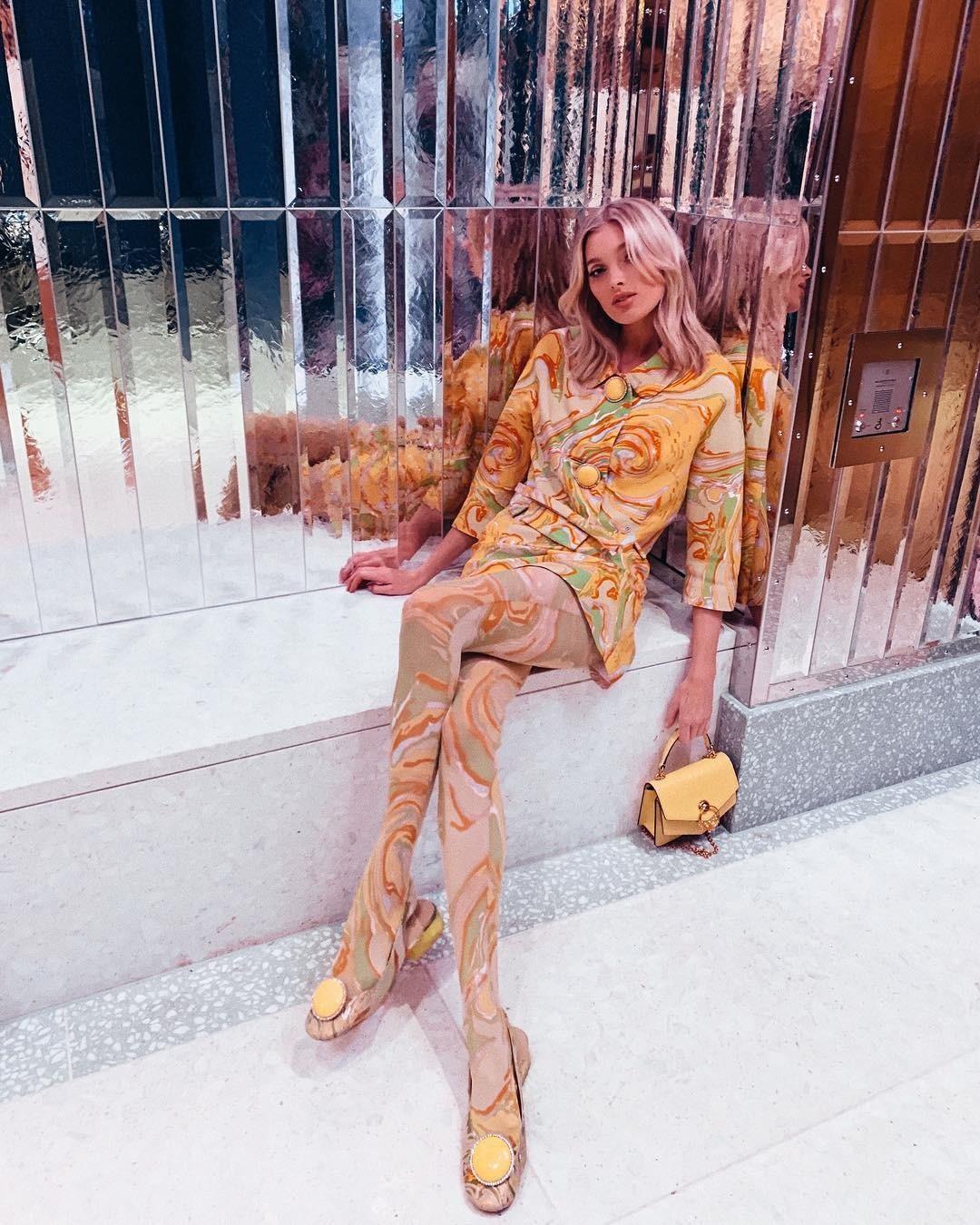 Казалось бы, на моделях Victorias Secret красиво будет смотреться даже холщовый мешок. Мешок, может быть. Но вот total-look цвета неидентифицируемой жижи даже идеальная Эльза Хоск не тяне...
