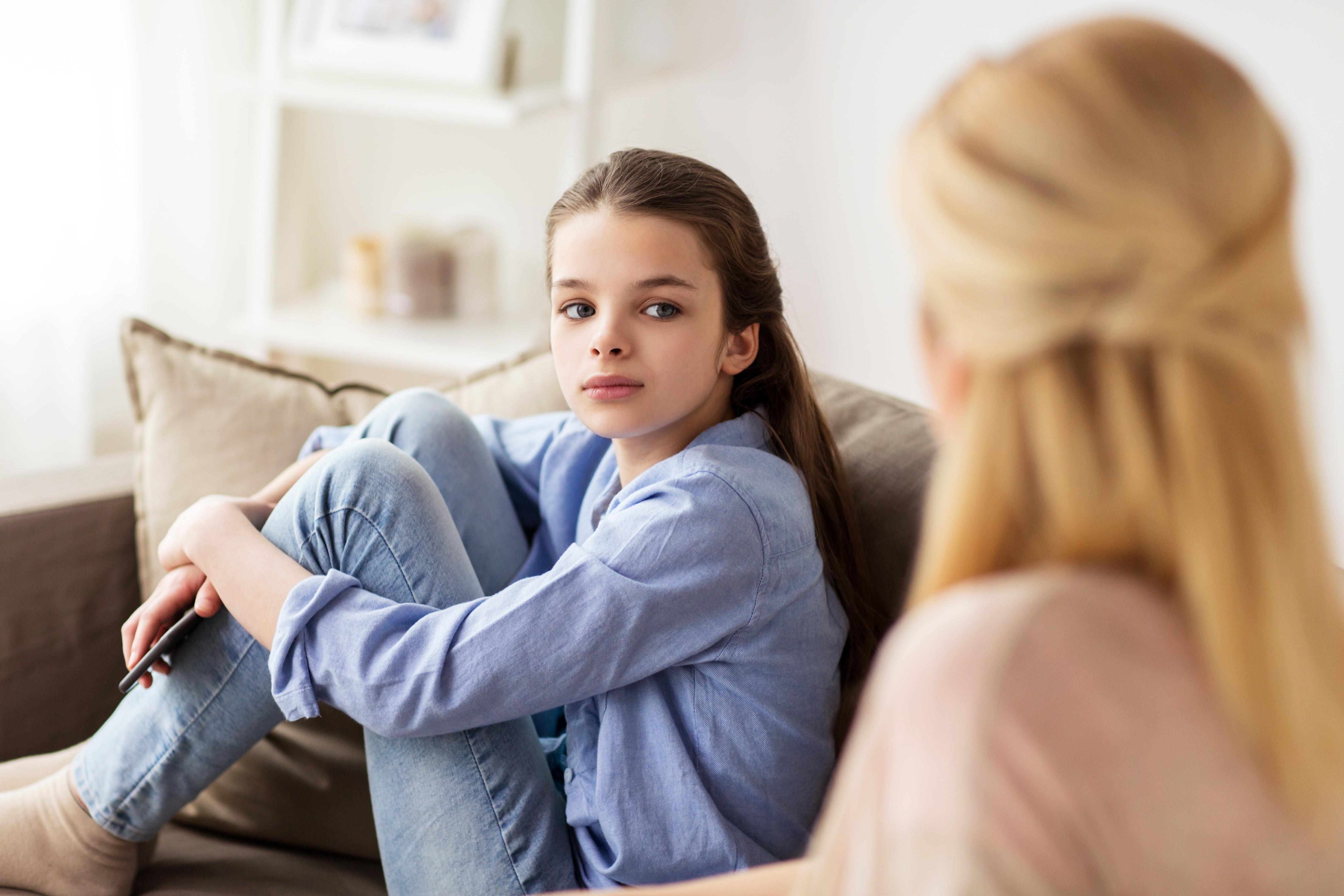 Меня не любит мама: как не сломать себе жизнь. Советы психолога