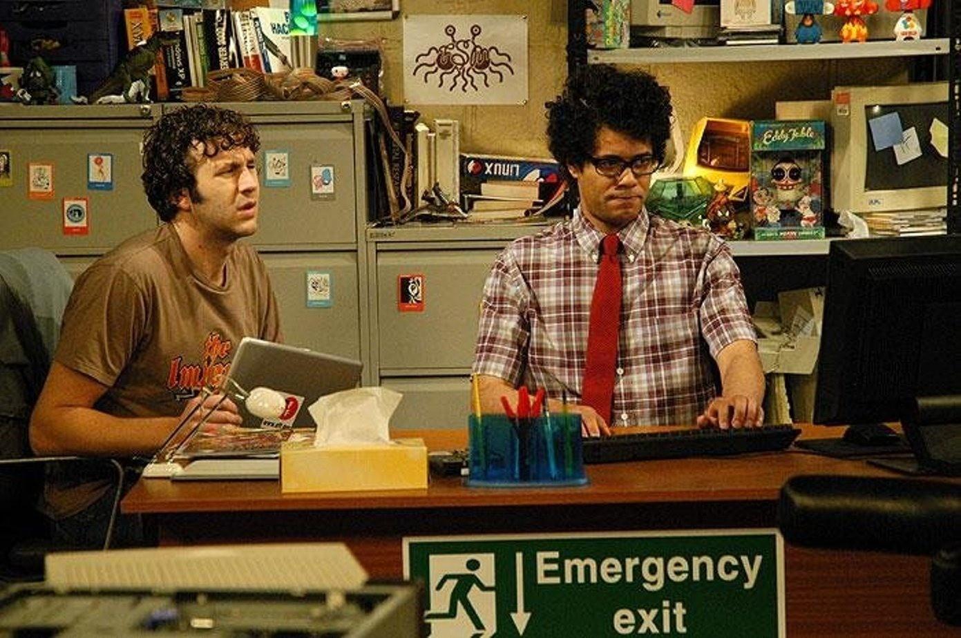 Для фанаток «Теории большого взрыва»: 11 похожих сериалов, достойных места в твоем сердечке