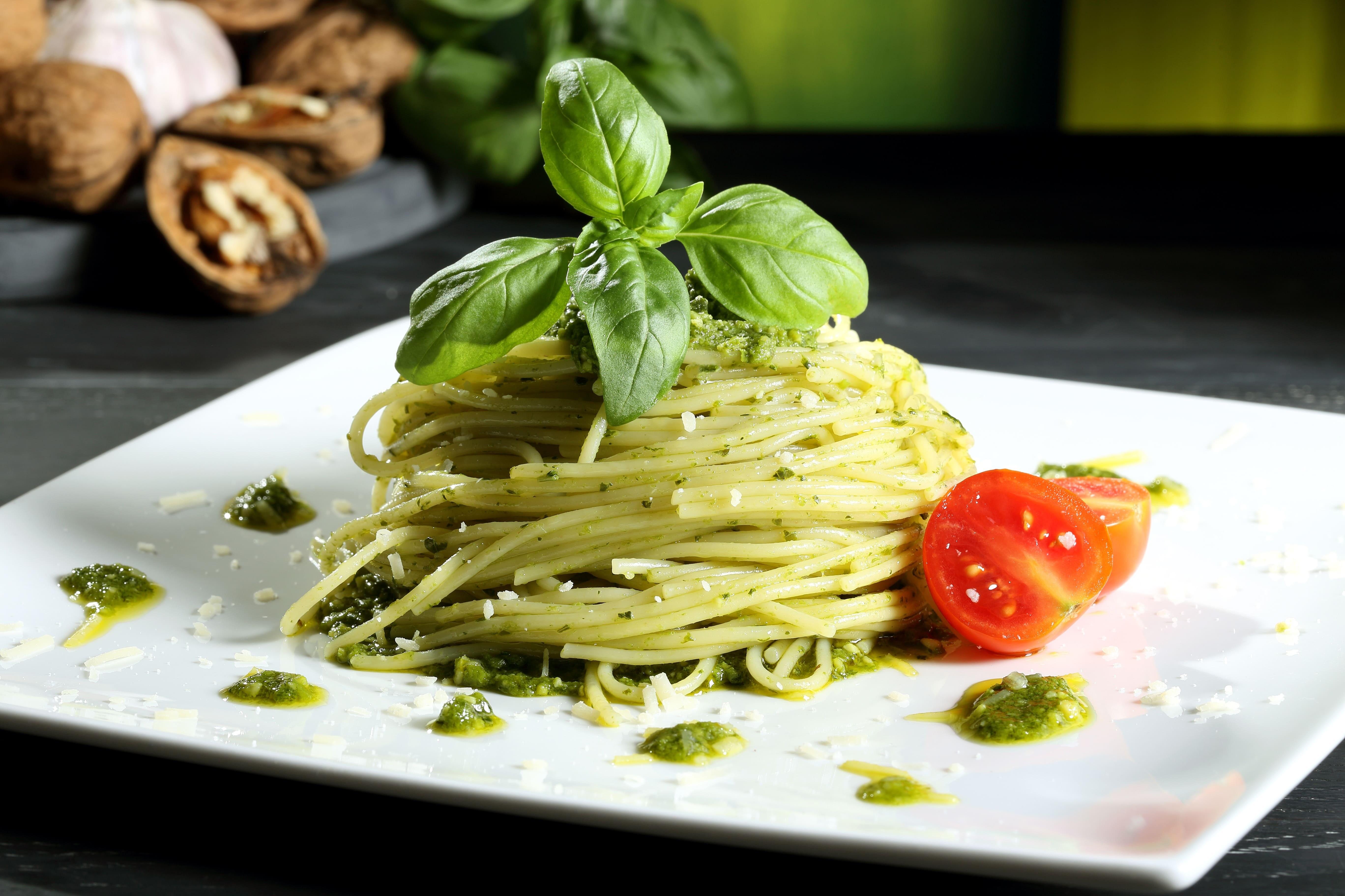 Добавь красок: рецепт пасты с зеленым соусом