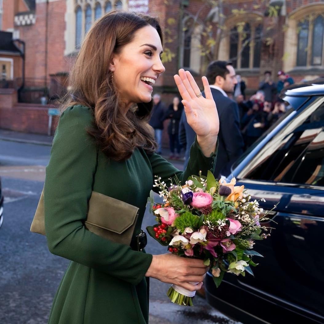 Принц Чарльз решил отдать бриллиантовую тиару Дианы Кейт Миддлтон, анеМеган Маркл