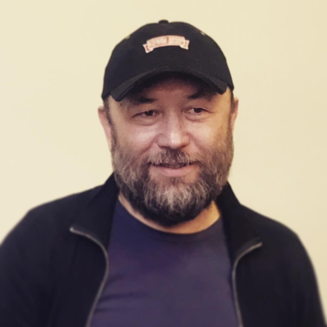 Тимур Бекмамбетов женился на 28-летней возлюбленной