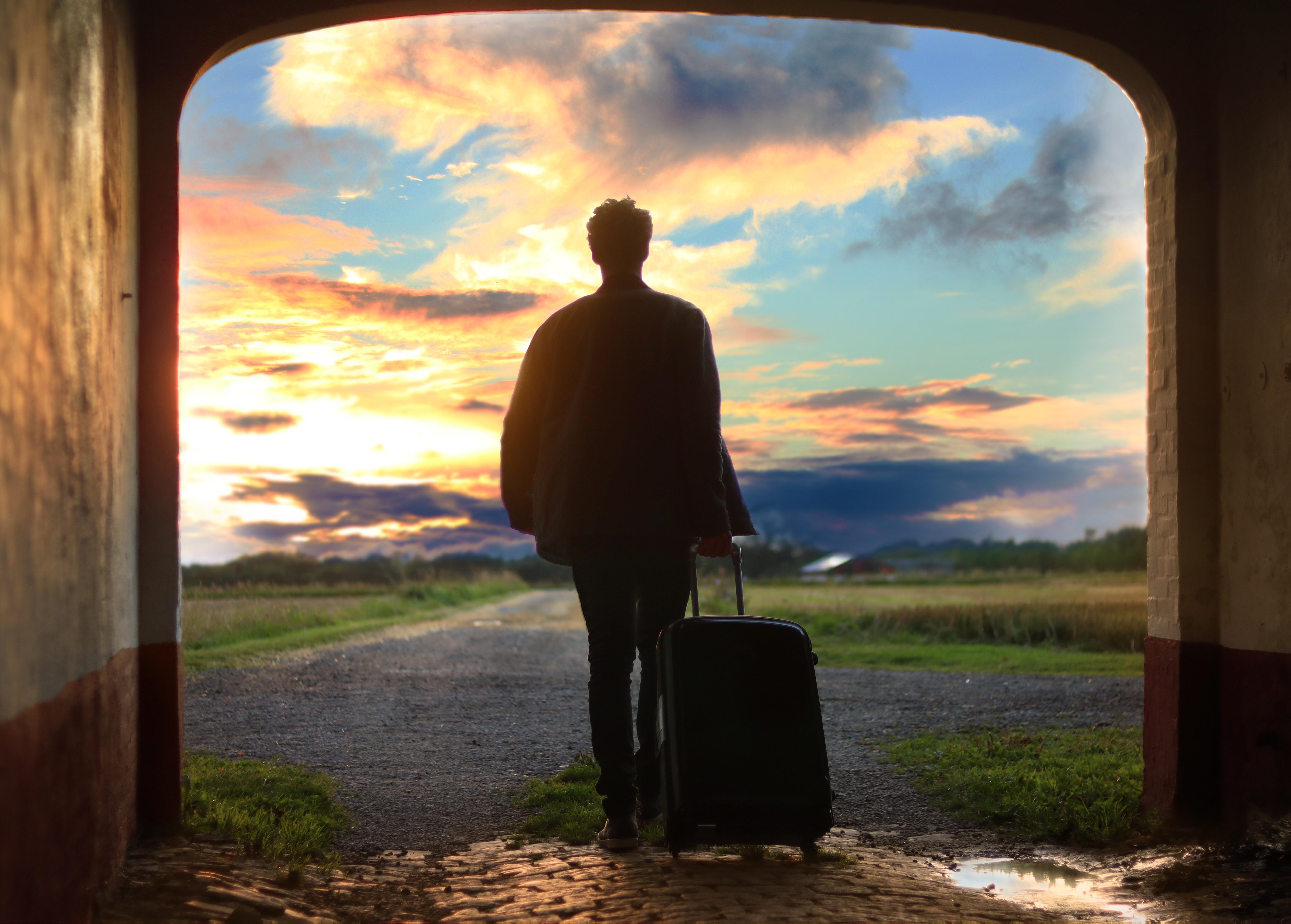 10 причин выставить его с чемоданом на лестницу (и одна важная — оставить)