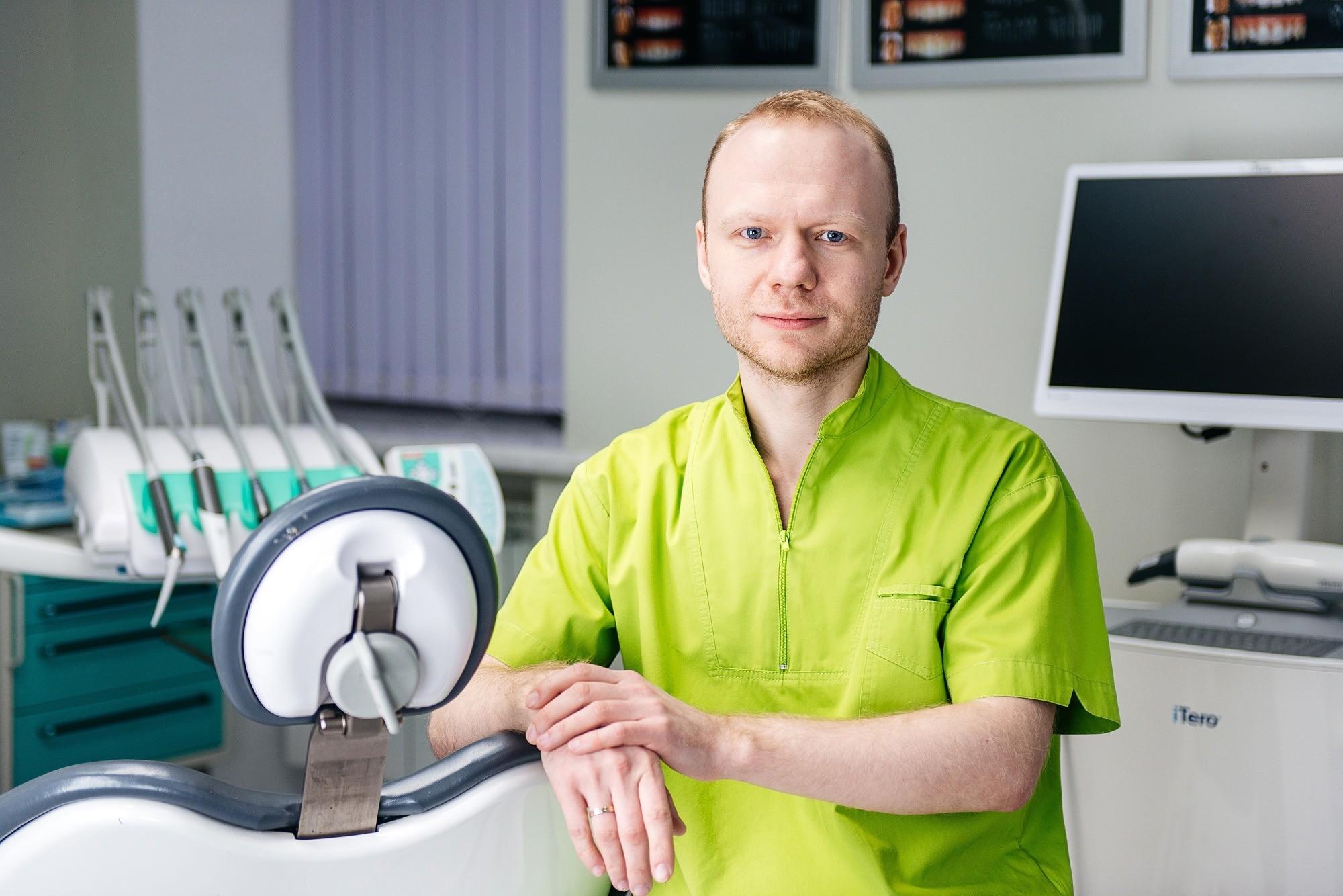 Антон Герасимов, хирург-имплантолог
