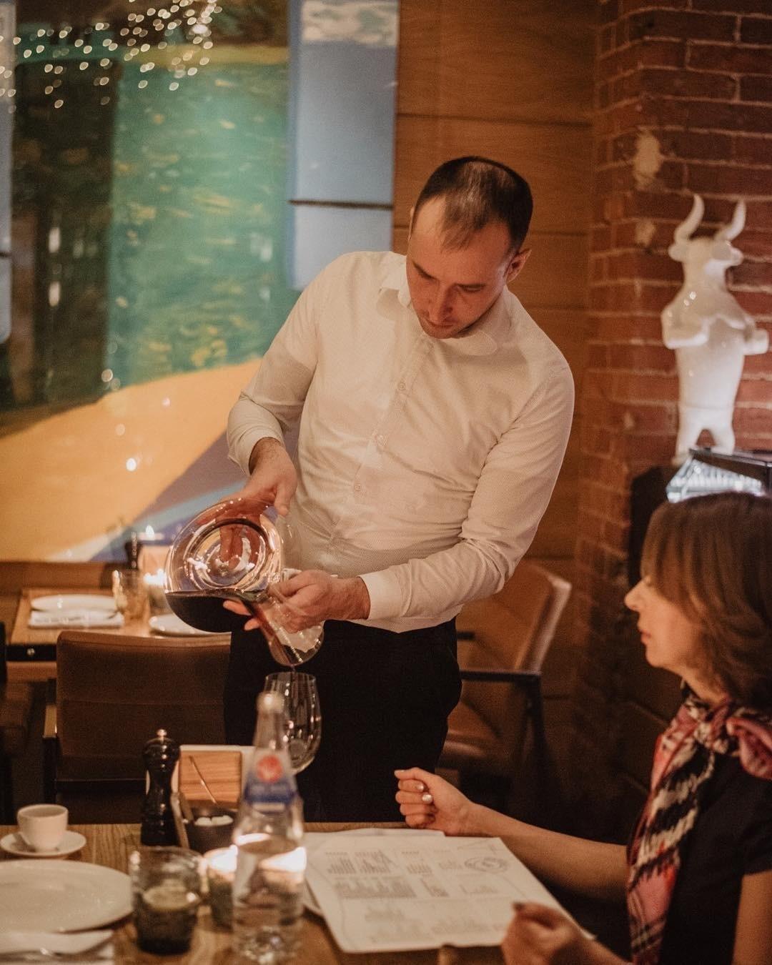 Сомелье рекомендует: как выбрать бюджетное вино и не промахнуться