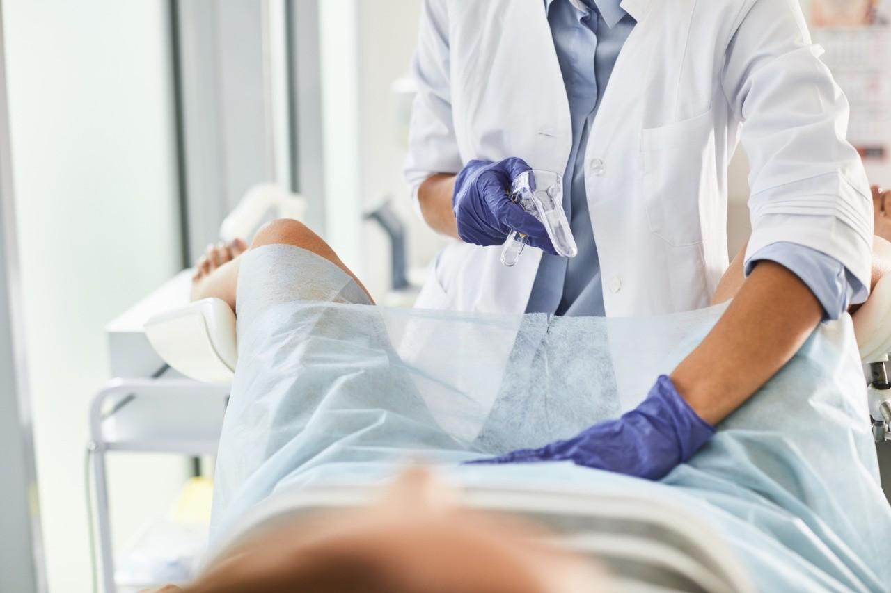 Как определить внематочную беременность: признаки на ранних сроках