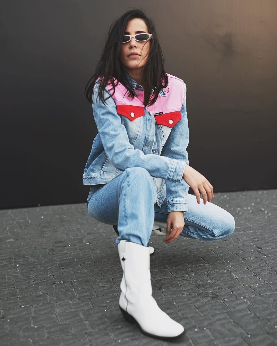 Универсальная вещь: какую джинсовую рубашку выбрать и с чем ее носить