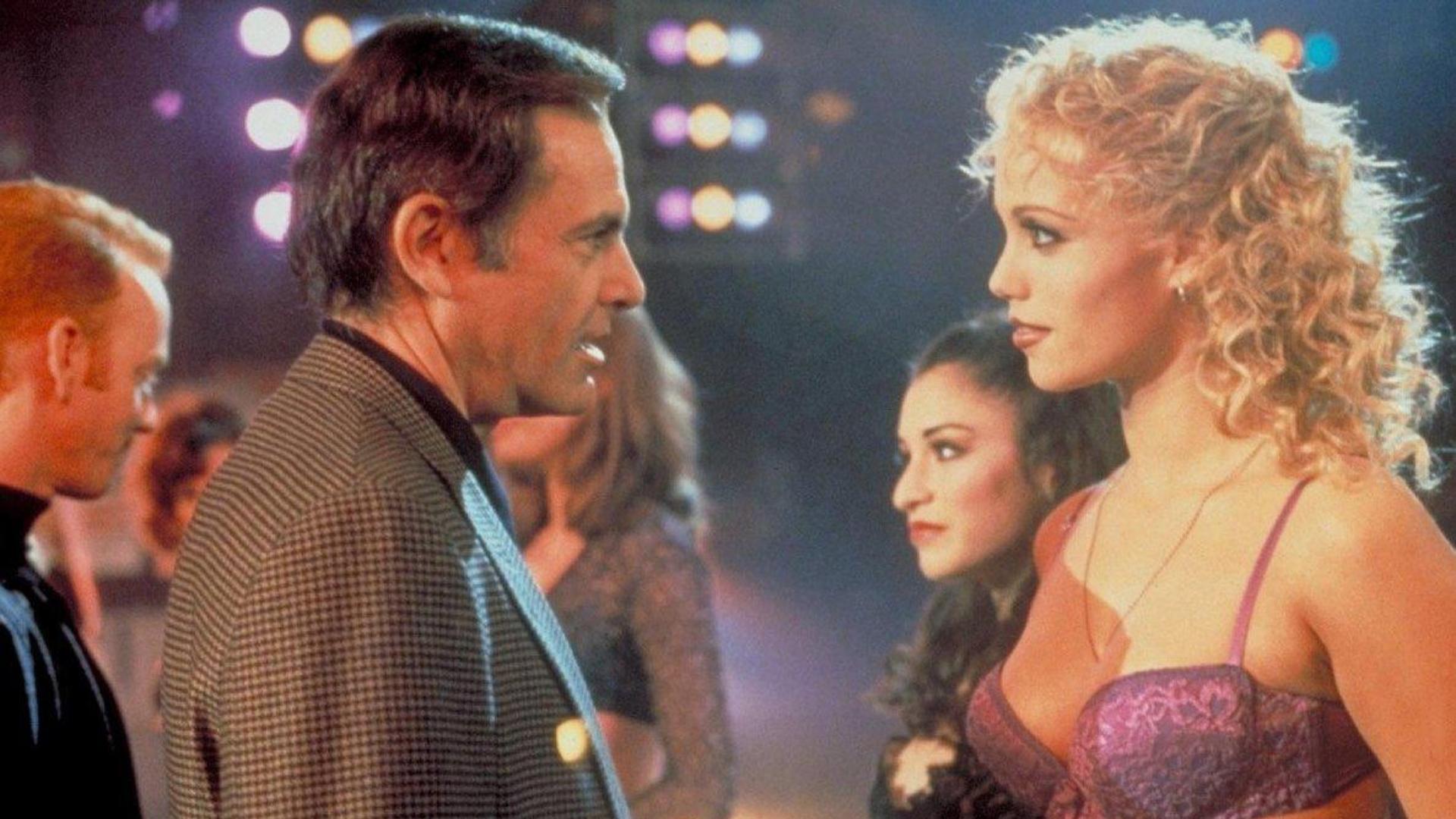 6 фильмов, которые разрушили карьеры знаменитостей
