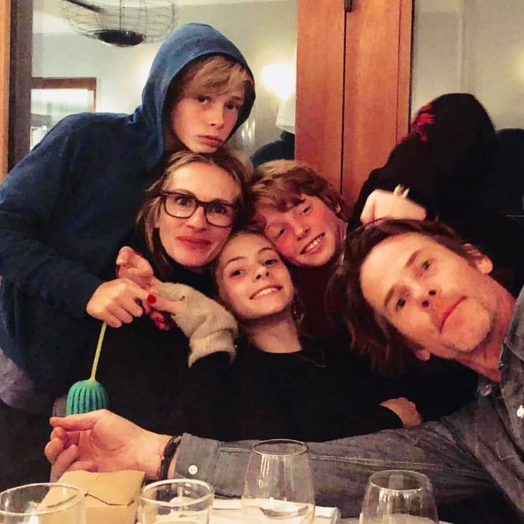 Муж Джулии Робертс выложил в соцсети семейное фото