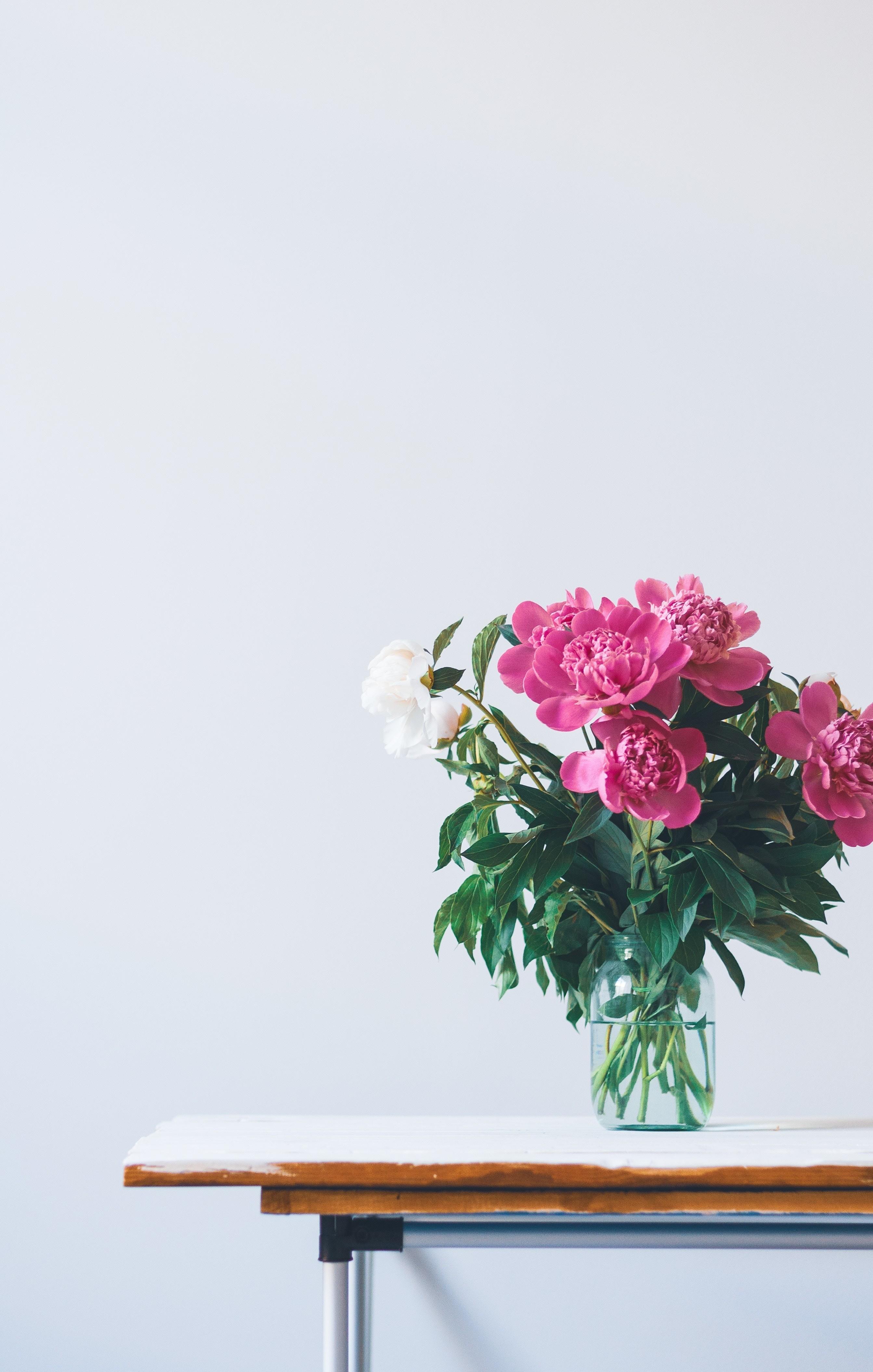 Как привлечь любовь по фен-шуй (спойлер: нужны всего лишь ваза и компас)