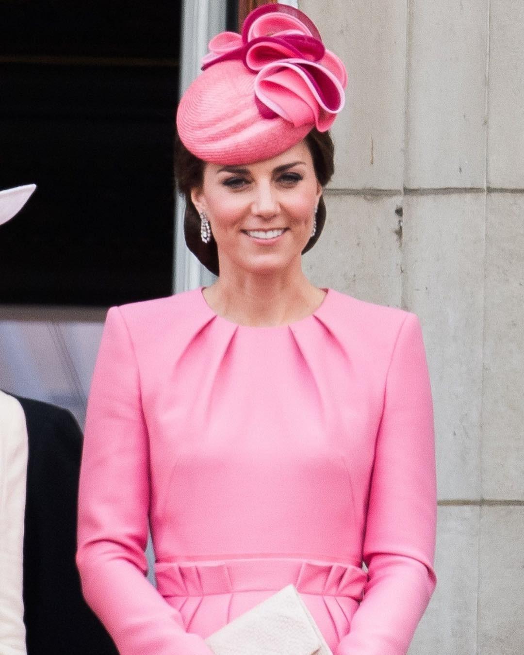 Королевская семья знаменита, п&...