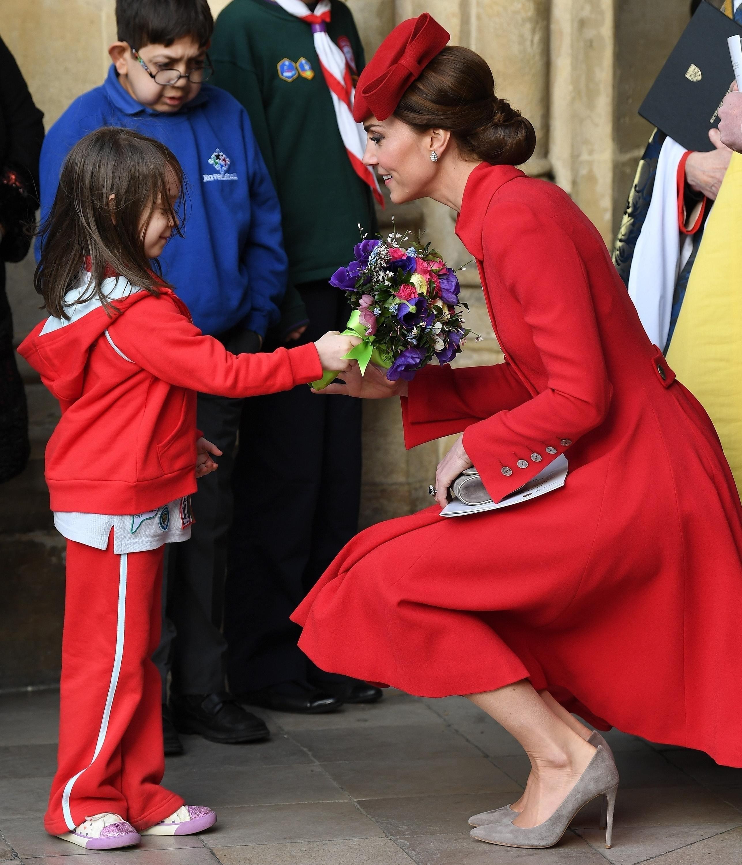 Королевские особы всегда долж&#...