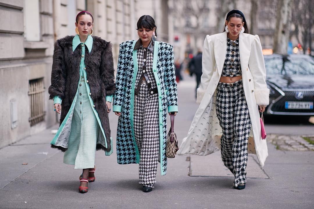 Маленькие хитрости: с чем носить брюки в клетку женщине