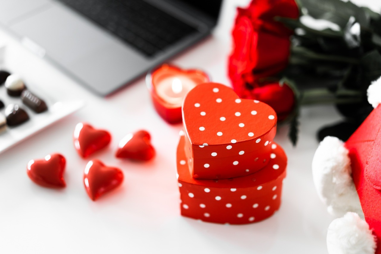 Как приворожить любимого: 7 самых диких и смешных способов
