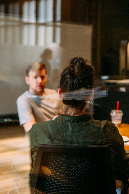 Как правильно вести себя на собеседовании: 10 правил, которые обеспечат тебя работой